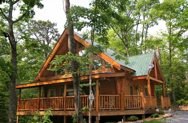 ... To The Great Smoky Mountains For A Family Reunion, Honeymoon, Golf Trip  Or Just A Mountain Getaway With Your Honey, Auntie Bellhamu0027s Offers Cabins,  ...
