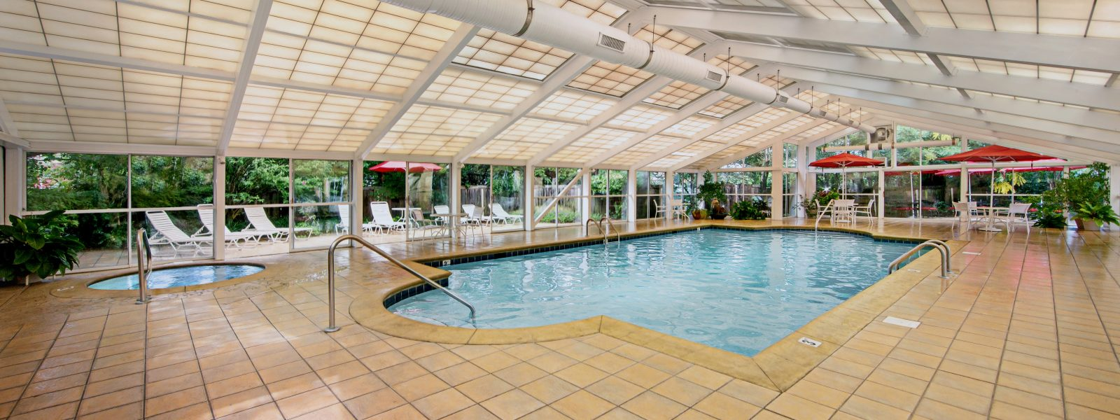 Pool. Families Vacationing In Pigeon Forge ...