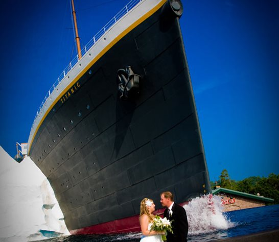 Titanic Pigeon Forge Wedding